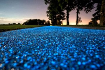 Poland Tests a Glow-in-the-Dark Self-Sufficient Bike Path