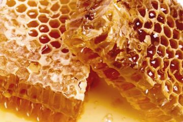 Raw Honey: The Liquid Gold with Unique Antiviral, Anti-aging & Anti-Cancer Properties