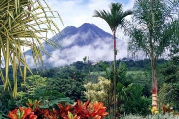 Will Costa Rica Really Become Carbon- & Plastic-Free by 2021?!