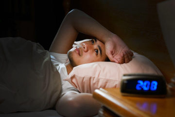 The Major Symptoms & Causes of Insomnia & 3 Beneficial Natural Cures