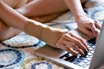 The Main Symptoms of Carpal Tunnel Syndrome & 4 Best Preventive Methods