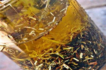 Thieves Oil: What Are its Benefits & How to Make Your Own