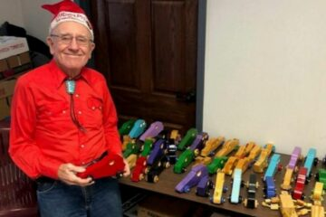Real Life Santa: This Man Delivers Hundreds of DIY Wooden Toys to Children in Need