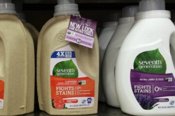 This Sustainable Company Sells their Liquid Detergent in Cardboard Bottles