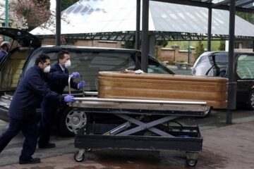 Spanish Army Finds Dead & Abandoned Residents of Care Homes during Coronavirus Pandemic